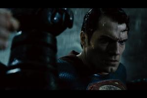 Embedded thumbnail for Batman v Superman: Dawn of Justice - Official Final Trailer